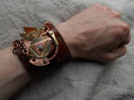A steampunk bracelet by ChanceZero