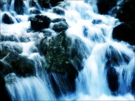 Falling Water by caediel