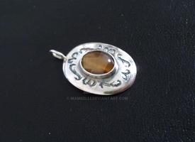 Pendant by Mamselli