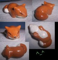 Mini clay sculpts: Fox by goiku