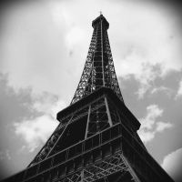 Eiffel Tower by SheZombiee