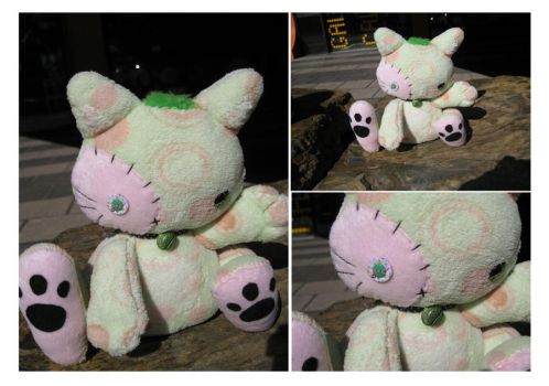 Green kitty plushie by BakaMichi