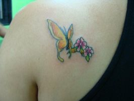 Tattoo Butterfly and flowers by xandaumtattoo