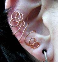 Squiggly Copper ear cuff by lavadragon