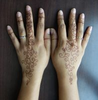 Mehndi Hands by Tineswari