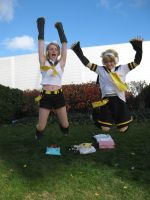 rin and len jump by olive-happy