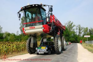 Mini under Agrifac Condor by Seth890603