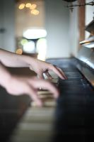 to play the piano by Vendetik