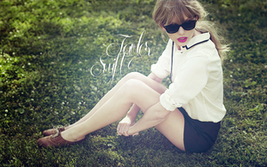 Taylor Swift wallpaper by lou-mora