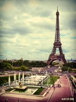 Eiffel Tower by Maesta-Dara
