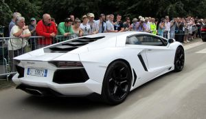 Lamborghini Aventador by IntroduceAnarchy