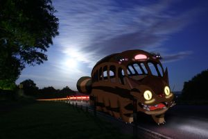 totoro's bus by saz88uk