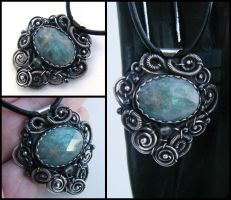 chaotic labradorite necklace by annie-jewelry