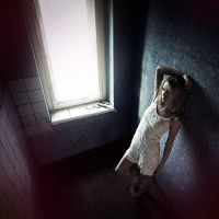Claustrophobic by drkshp