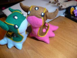 West Sea Gastrodon Plushie 2 by PlushRayseTiger