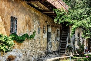 old house by sstando