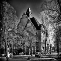 Old School in Berlin infrared by MichiLauke