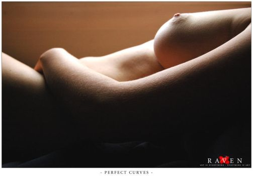 Perfect Curves by RavenMacabre