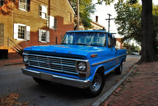 Ford F-100 by BardaWolf