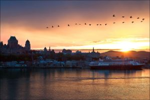 Sunset over Quebec by Vibrantx