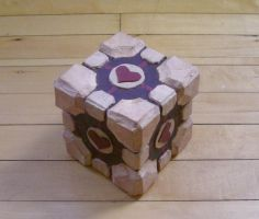 Retro Companion Cube Box by Dace-X