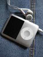 iPod by Bolv3rk