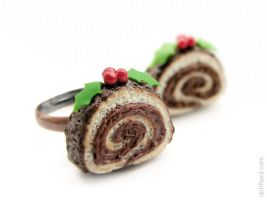 Christmas Yule Log Cake Ring by allim-lip