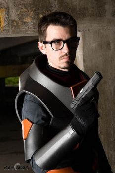 Gordon Freeman HEV suit 6 by BarbarianProps