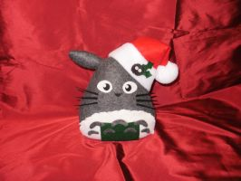 Christmas Totoro-giri by merlinemrys