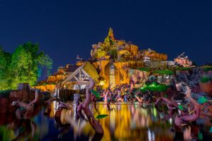 Reflections of Splash Mountain by shaderf