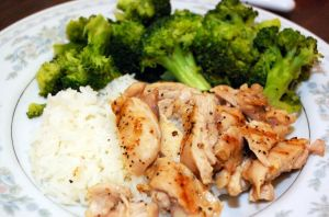 Grilled Chicken with Broccoli by sweetcivic