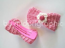 Crochet bow Hair Pin by midorigraphic