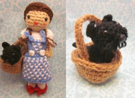 Toto in a Basket Amigurumi by Spudsstitches