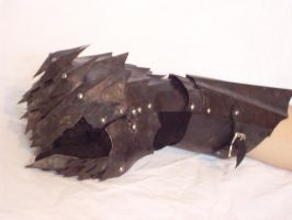 Nazgul Gauntlet01 by Thorgaz