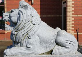 Lion  statue  side- Sheffield Tasmania by scratzilla