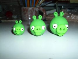 Angry Birds: 3 little Pigs by Dreamcraft-Studios