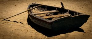 Abandoned Boat by mairlin