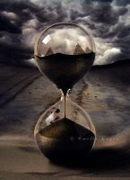 Hourglass by emilieleger