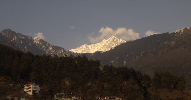 The magnificent Dhauladhar by spacejunior