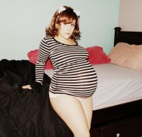 Beautiful Pregnant 35 by Onlineperson12