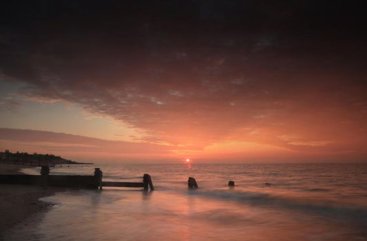 Sunrise: Walton-on-the-Naze, Essex by ursularodgers