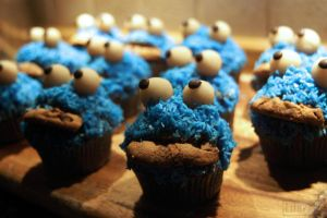 Cookie Monster Muffin Army by Lilavatu