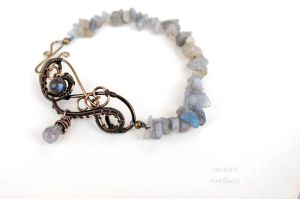 Labradorite wire wrapped bracelet by IanirasArtifacts