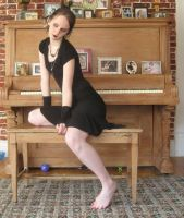 Piano girl by 3corpses-in-A-casket