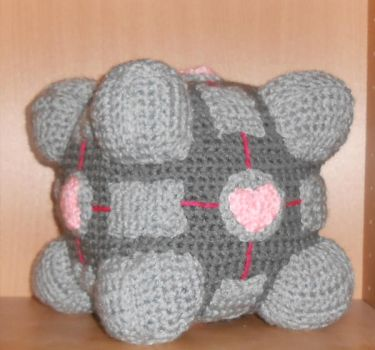 Crochet Companion Cube by Craftigurumi