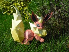 Flareon papercraft by TimBauer92
