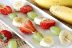 honey and cinnamon fruit kebabs by claremanson