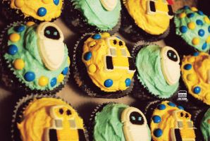 Wall-e Cupcakes by chz-brgr