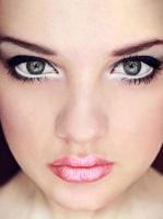 Rose by FurtiveLungs