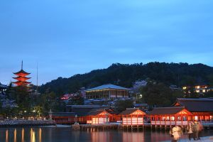 Night at Miyajima by prozzaks